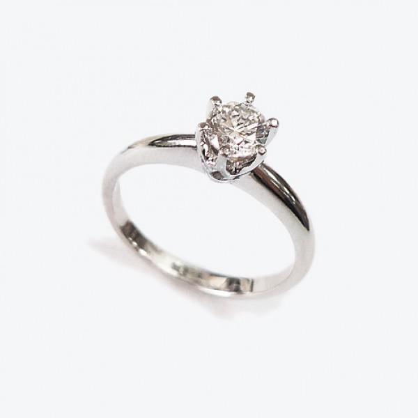 Ювелирное кольцо из белого золота 585 пробы с бриллиантом RD-6353w