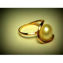 Что делает золото одновременно твердым и мягким металлом?