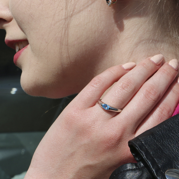 Ювелирное кольцо из белого золота 585 пробы с топазом RT-15790w