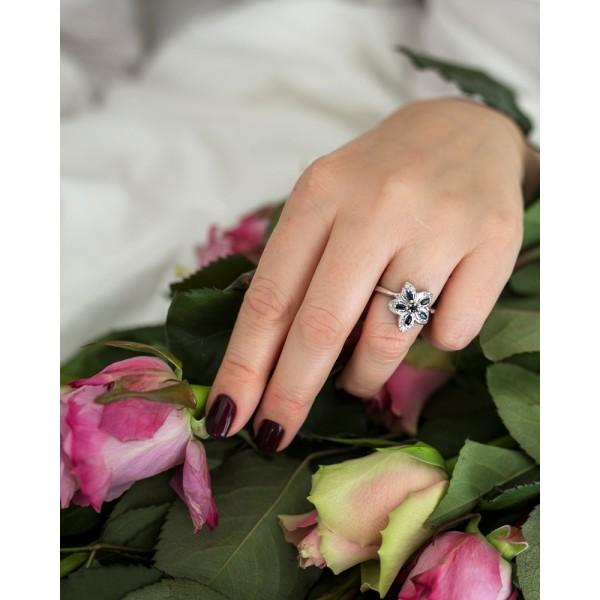 Ювелирное кольцо из серебра 925 пробы с сапфирами и бриллиантами RDS-6142Ag