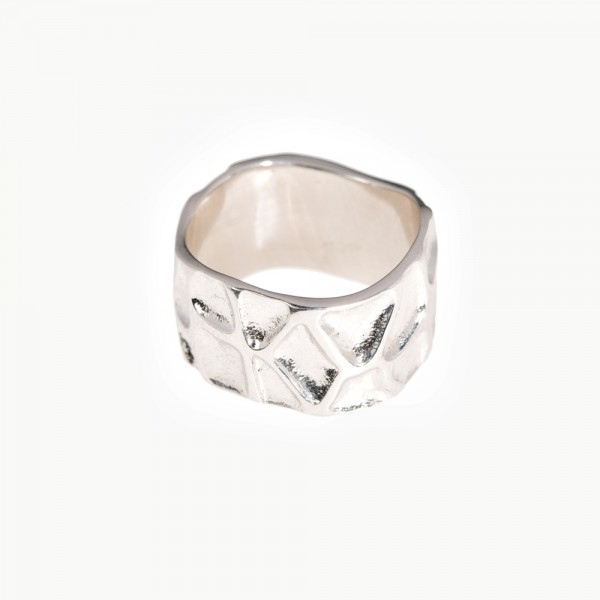 Серебряное широкое фактурное кольцо R-5687 Ag