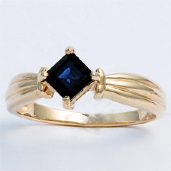 Ювелирное кольцо из белого золота 585 пробы с сапфиром RS-5025w