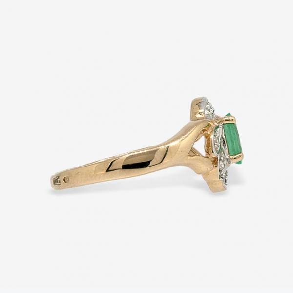 Ювелирное кольцо из красного золота 585 пробы с изумрудом и бриллиантами RE-621