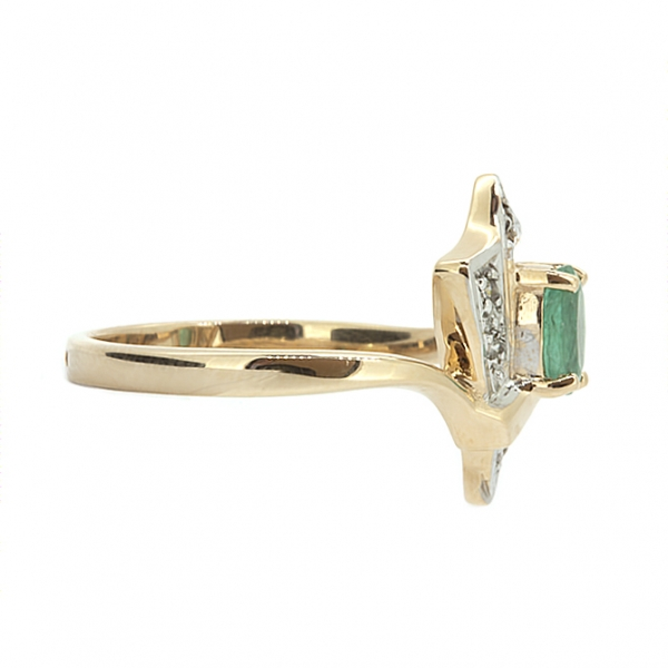 Ювелирное кольцо из красного золота 585 пробы с изумрудом и бриллиантами RE-1144