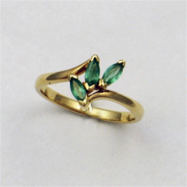 Ювелирное кольцо из красного золота 585 пробы с изумрудами RE-6012