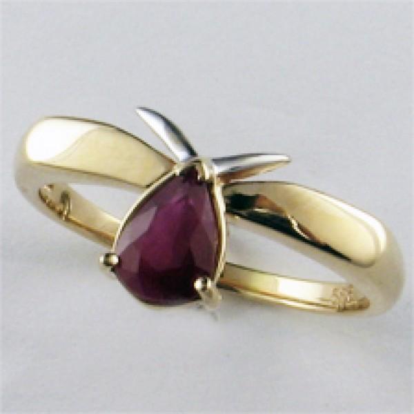 Ювелирное кольцо из красного золота 585 пробы с рубином RR-6018
