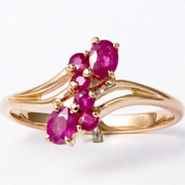 Ювелирное кольцо из красного золота 585 пробы с рубинами RR-6003