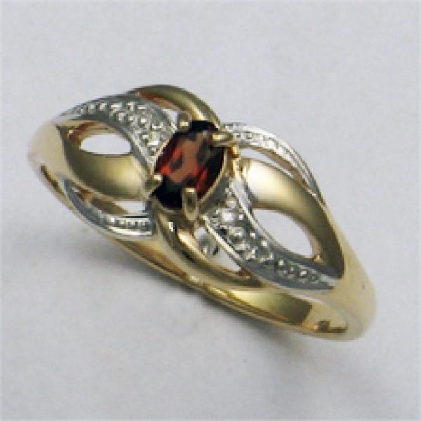 Ювелирное кольцо из красного золота 585 пробы с гранатом и бриллиантами RGn-6050