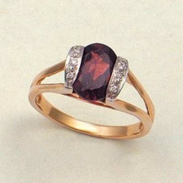 Ювелирное кольцо из красного золота 585 пробы с гранатом и бриллиантами RGn-17105