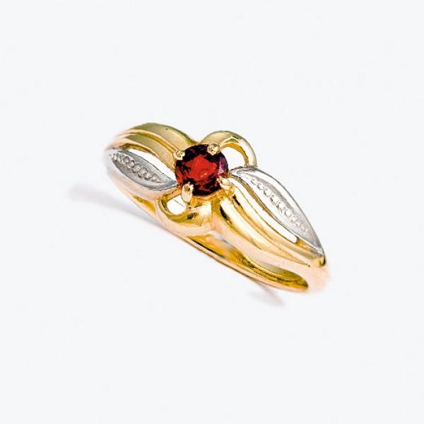 Ювелирное кольцо из красного золота 585 пробы с гранатом RGn-6055