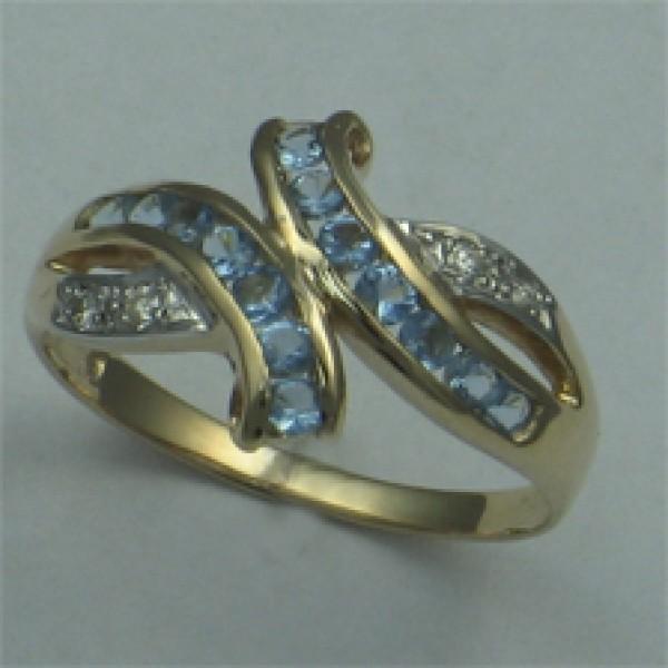 Ювелирное кольцо из красного золота 585 пробы с топазами и бриллиантами RT-6116