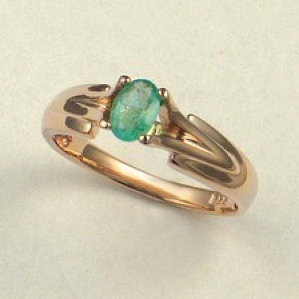Ювелирное кольцо из красного золота 585 пробы с изумрудом RE-6085