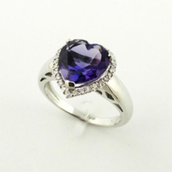 Ювелирное кольцо из белого золота 585 пробы с аметистом в форме сердца и бриллиантами RAm-6608w