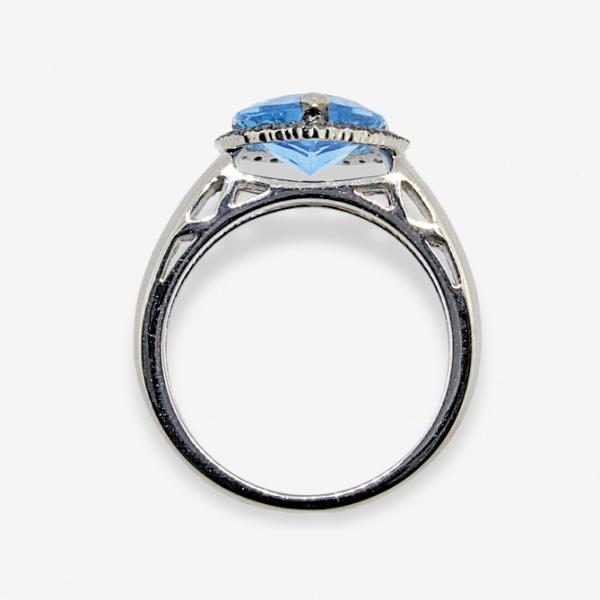 Ювелирное кольцо из белого золота 585 пробы с чёрными бриллиантами и топазом RTDb-6608w