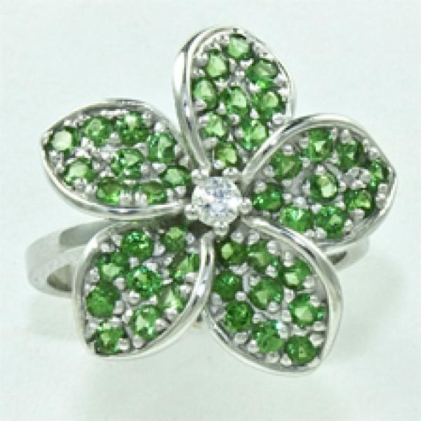Ювелирное кольцо из белого золота 585 пробы с зелеными гранатами и бриллиантом RDtsav-6503w