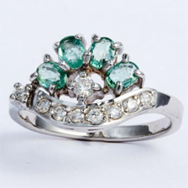 Ювелирное кольцо из белого золота 585 пробы с изумрудами и бриллиантами RE-6403w