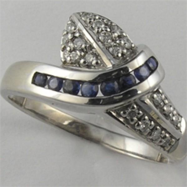 Ювелирное кольцо из белого золота 585 пробы с сапфирами и бриллиантами RS-925w