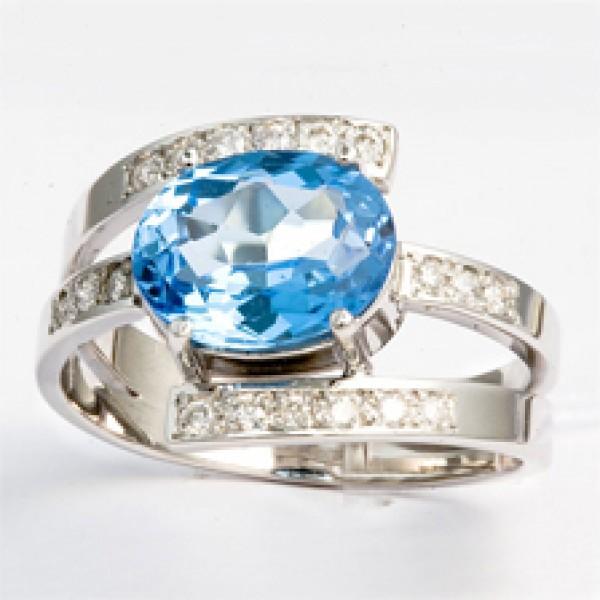 Ювелирное кольцо из белого золота 585 пробы с топазом и бриллиантами RT-6243w