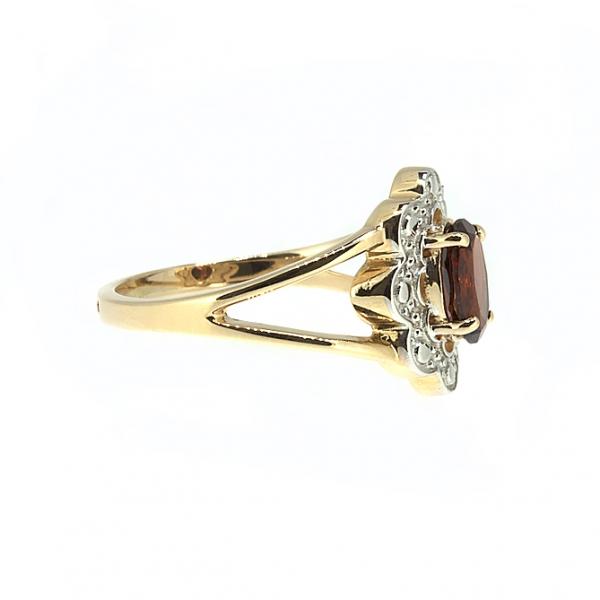 Ювелирное кольцо из красного золота 585 пробы с гранатом RGn-6714