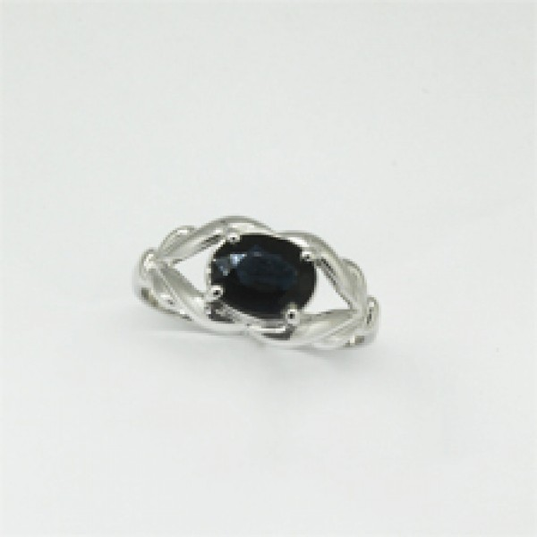Ювелирное кольцо из белого золота 585 пробы с сапфиром RS-6599w