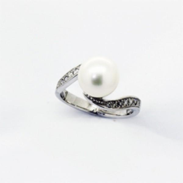 Ювелирное кольцо из белого золота 585 пробы с жемчугом и чёрными бриллиантами RPDb-6267w