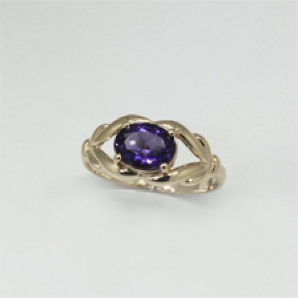 Ювелирное кольцо из красного золота 585 пробы с аметистом RAm-6599