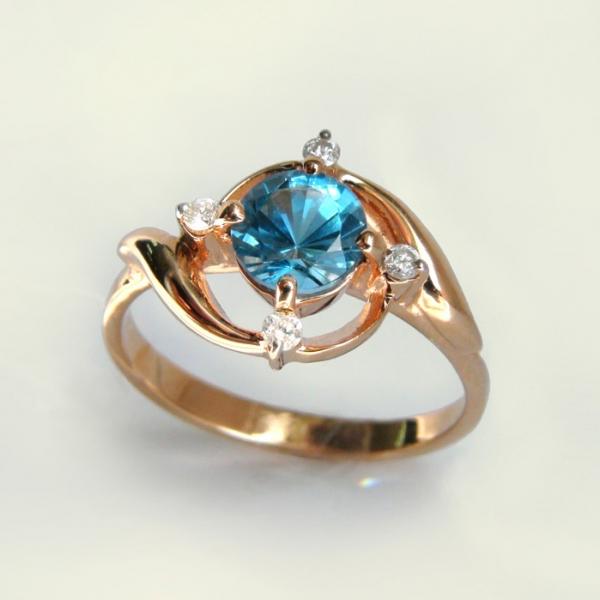 Ювелирное кольцо из красного золота 585 пробы с топазом и бриллиантами RT-6652