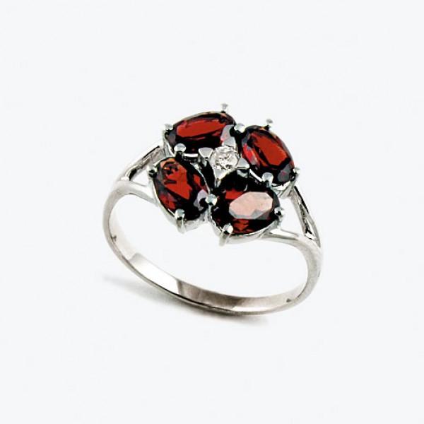 Ювелирное кольцо из белого золота 585 пробы с гранатами и бриллиантом RGn-6644w