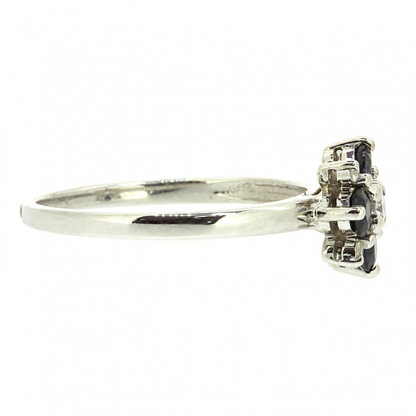 Ювелирное кольцо из белого золота 585 пробы с сапфирами и бриллиантами RDS-6760w
