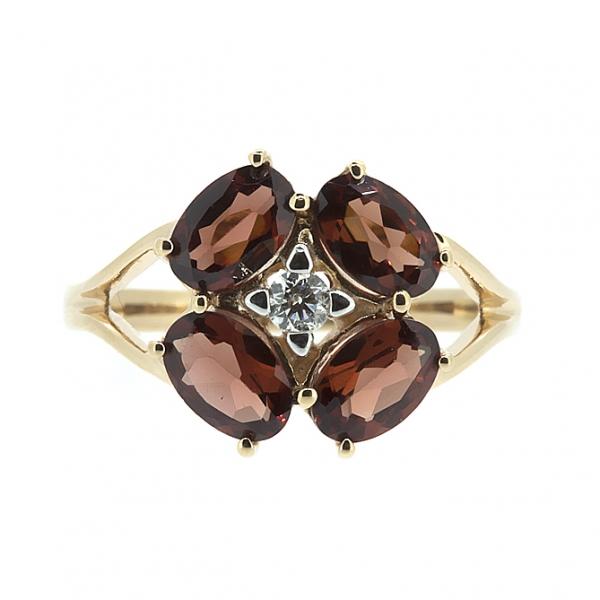 Ювелирное кольцо из красного золота 585 пробы с гранатами и бриллиантом RGn-6644