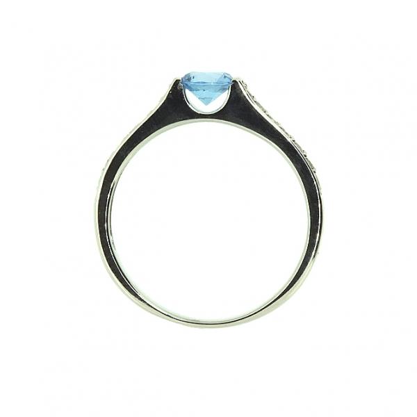 Ювелирное кольцо из белого золота 585 пробы с топазом и бриллиантами RT-6567w