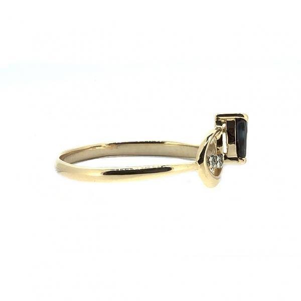 Ювелирное кольцо из красного золота 585 пробы с сапфиром и бриллиантами RDS-5547