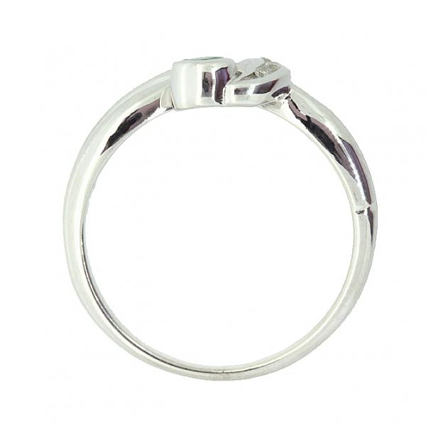 Ювелирное кольцо из серебра 925 пробы с изумрудом и бриллиантами RDE-6010Ag