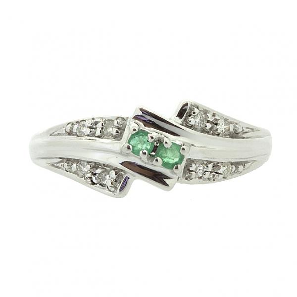 Ювелирное кольцо из серебра 925 пробы с изумрудами и бриллиантами RDE-9012Ag