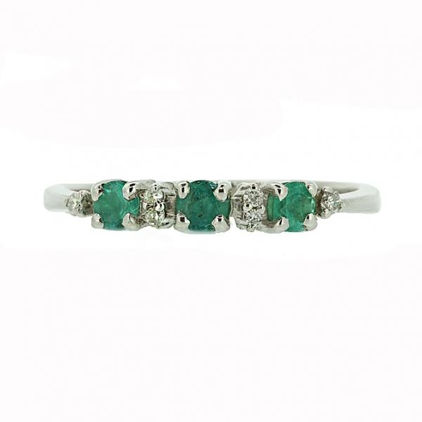 Ювелирное кольцо из серебра 925 пробы с изумрудами и бриллиантами RDE-6658Ag